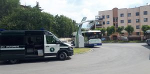 Kontrola autobusu komunikacji miejskiej.