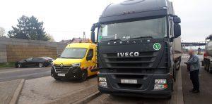 Inspektorzy zatrzymali do kontroli zespół pojazdów należący do białoruskiego przewoźnika.