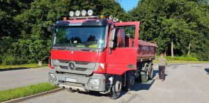 Przeładowany samochód ciężarowy zatrzymany przez inspektorów ITD.
