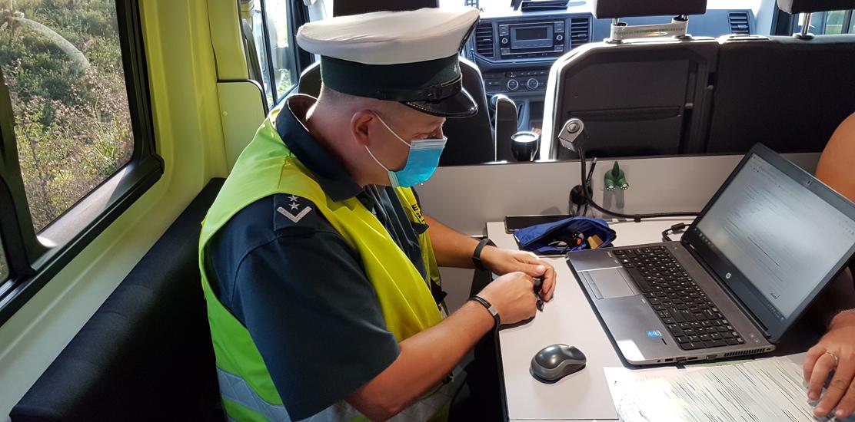 Inspektorzy sprawdzali uprawnienia kierowców, stan trzeźwości, stan techniczny pojazdów, zabezpieczenie ładunku.