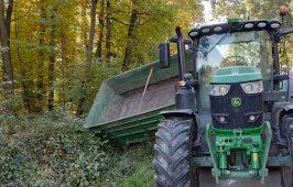 Doszło do zderzenia ciągnika rolniczego z busem przewożącym osoby niepełnosprawne.